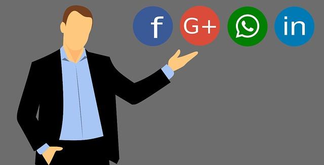 social-media-3352921_640